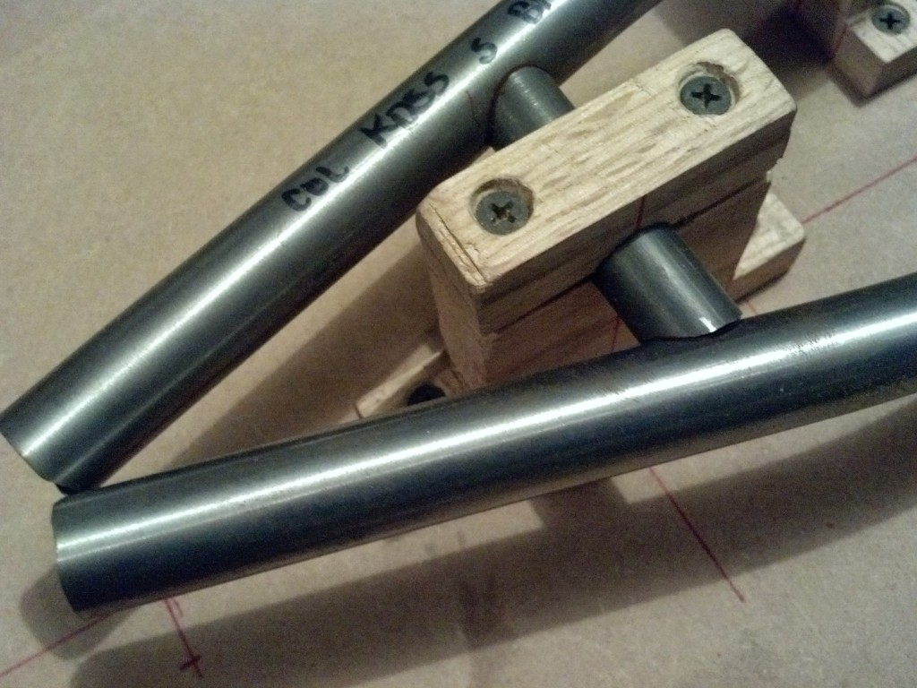 Seatstay jig and mitered brace junction
